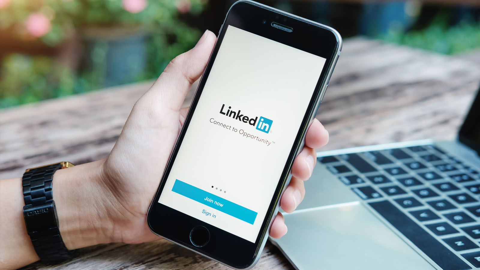 How To Use Linkedin Effectively During Your Job Search Topresume